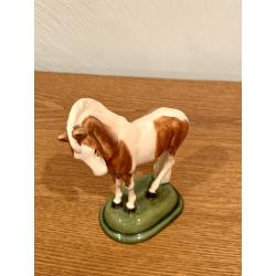 Charming China Art Noveau Early 1900s Rudolf Struck Germany Chestnut Pinto Ceramic Horse
